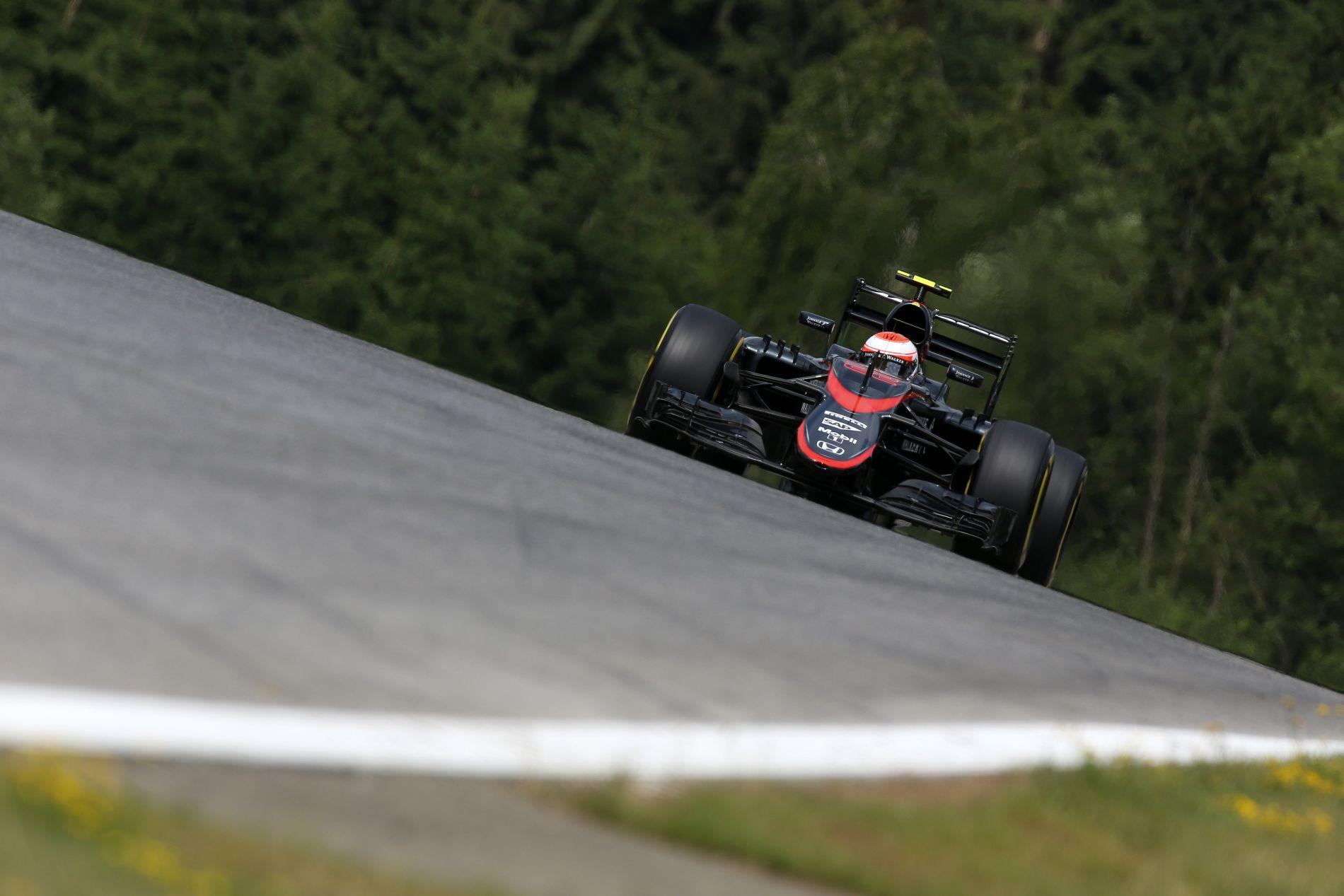 Idő előtt vége a McLaren edzésnapjának, várhatóan Button is kapja a rajtbüntetést