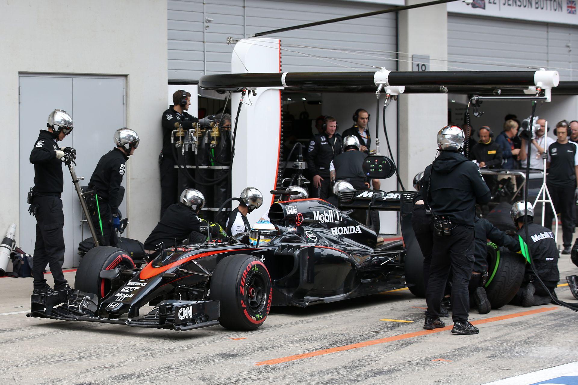 McLaren: Újra kellene gondolni ezeket a motorszabályokat…