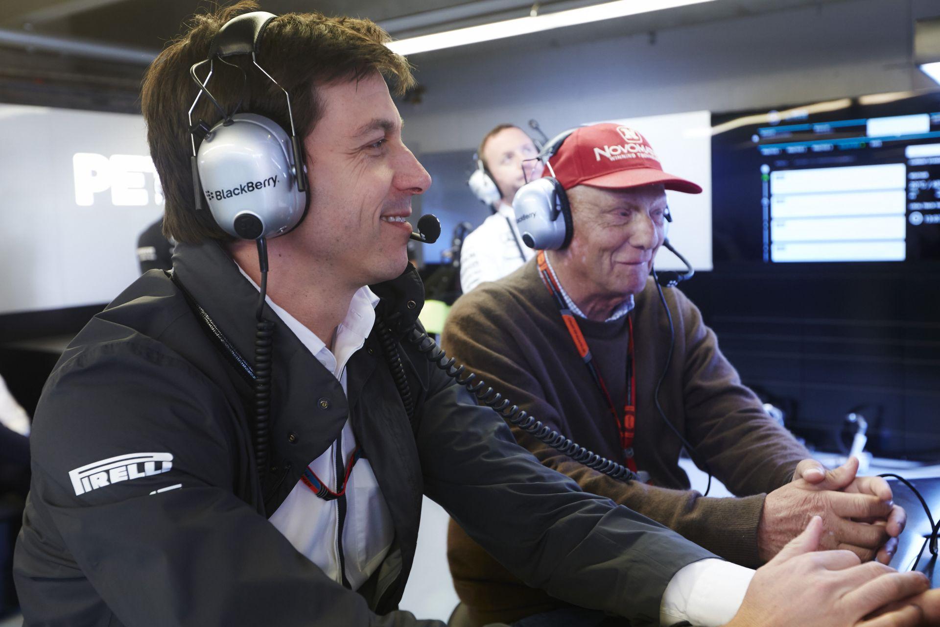 Mercedes: Egy Niki Lauda nem rossz a háznál!