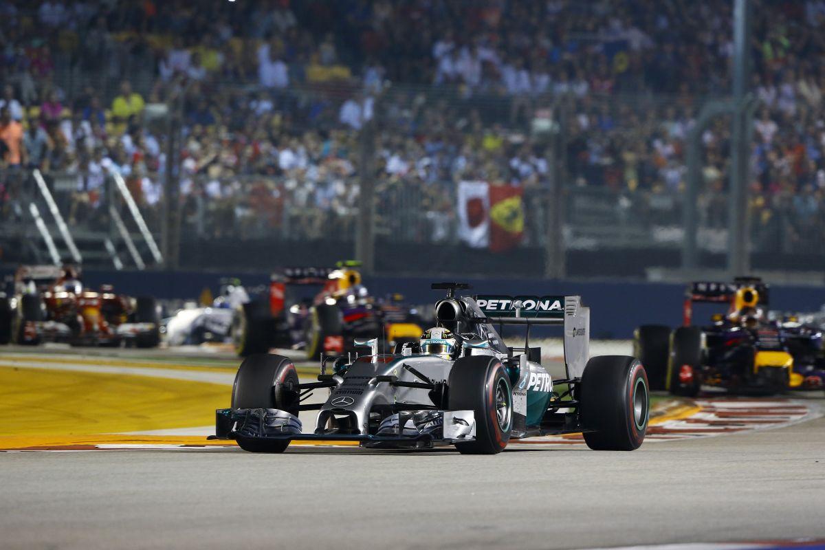 Vettel nem volt biztos benne, hogy mit csinál Hamilton: a brit vissza akarta venni a vezetést