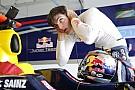 Sainz fia: Sokkolt, hogy Max Verstappen kapta meg az ülést a Toro Rossónál