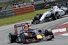 A Red Bull a Williamsre vadászik a Spanyol Nagydíjon