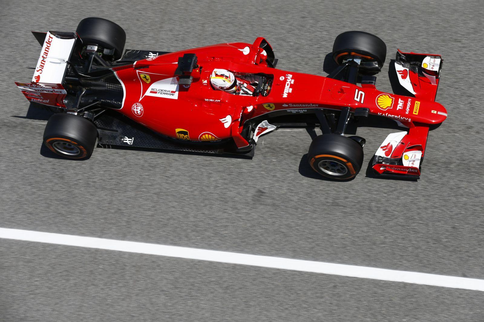 Odaégett Raikkonen gumija, Vettel hiányolja a gumiászt a pakliból