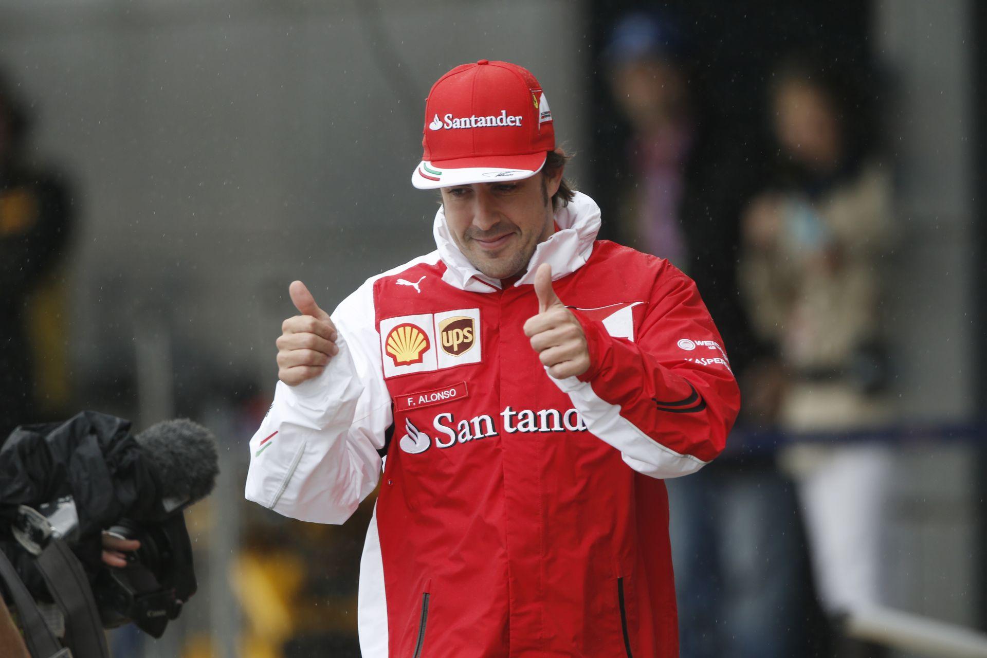 Alonso: 2 éves szerződésem a Ferrarinál, miért kellene aláírnom egy újat?