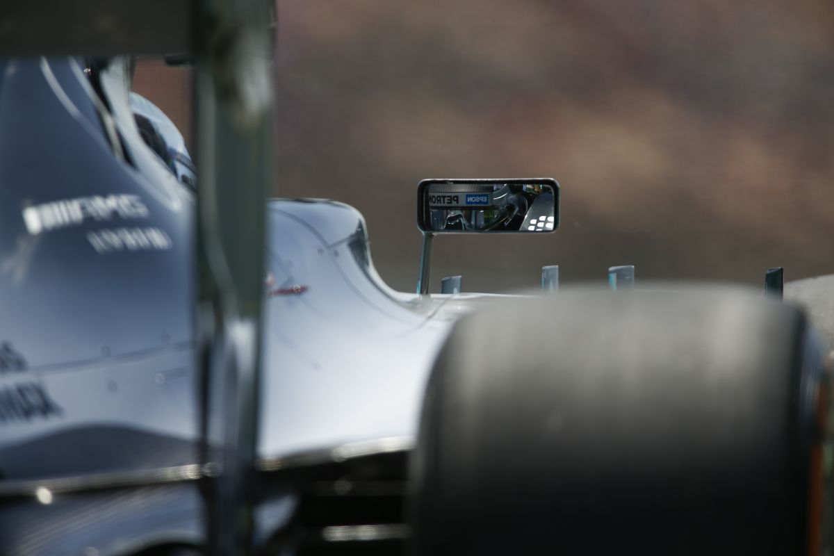 Rosberg nézte a visszapillantót, de senki sem volt benne: Hamilton nem volt ilyen boldog
