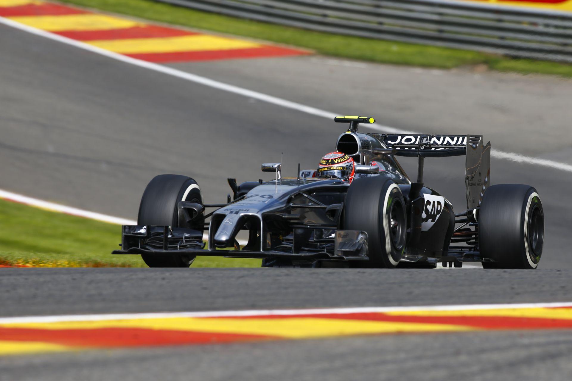 Fernando Alonso ellen nem éri meg szórakozni: Magnussen 20 másodperces időbüntetést kapott