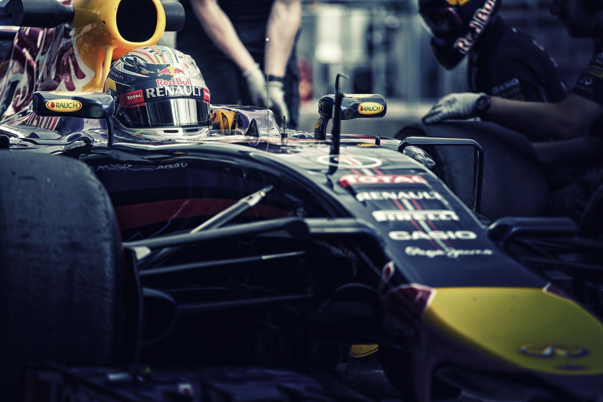 Vettel: Nagyon nehéz lesz megvédenem a címemet, de nem adom fel