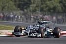 Rosberg és Ricciardo is a stewardok előtt: piros zászló alatt előztek, jöhet a rajtbüntetés? (frissítve)