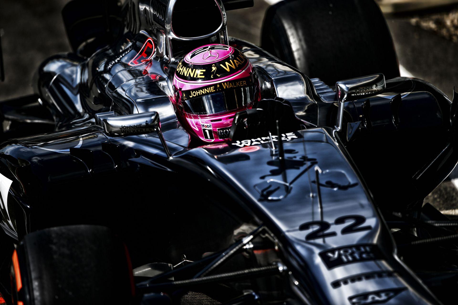 McLaren: kis híján dobogós, sziporkázó Button, és egy stabil Magnussen!