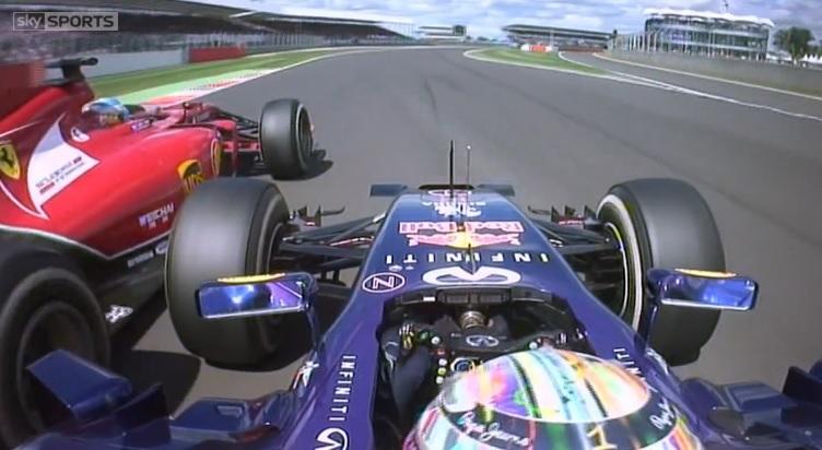Videón Alonso és Vettel öldöklő csatája: Hihetetlen showt csinált a két világbajnok