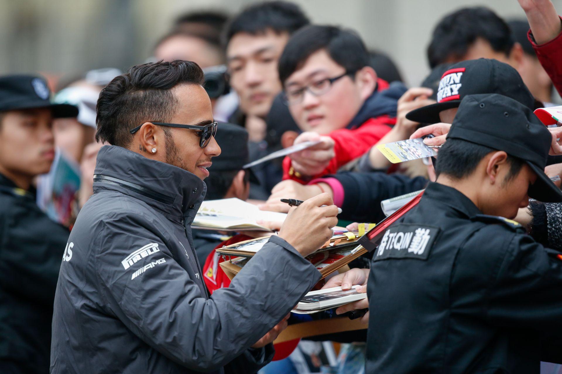 Hamilton: El kell ismernünk, ha a Ferrari gyors és jobb!