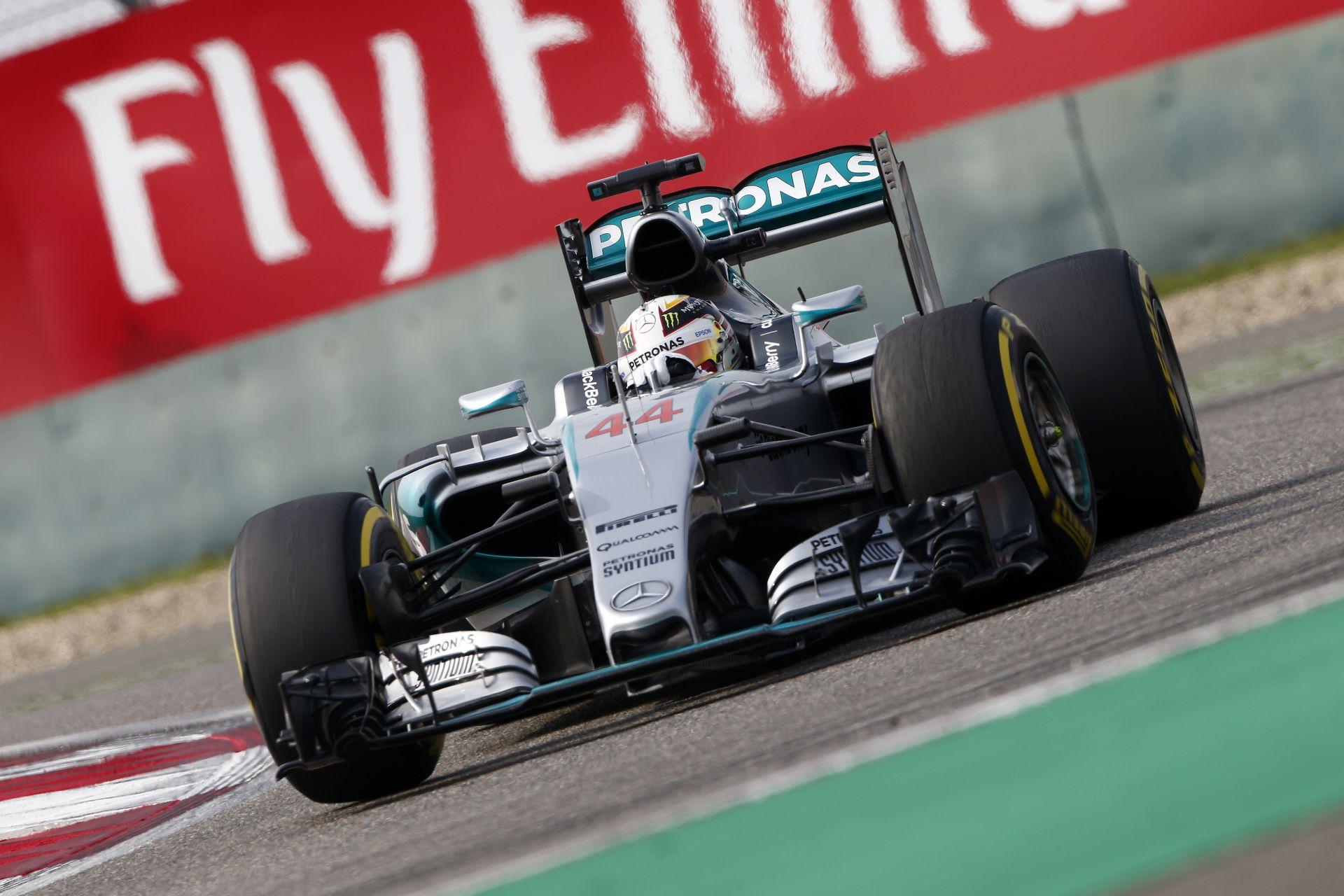 Majdnem megégett Hamilton feneke, de simán nyerte a harmadik edzést Kínában Rosberg, és a két Ferrari előtt! Alonso KO, széthull