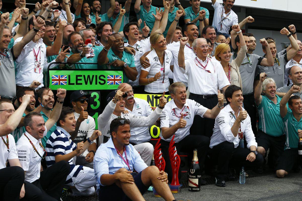Rosberg már a nagyok között, Hamiltonnál mindig dicsőség és dráma van