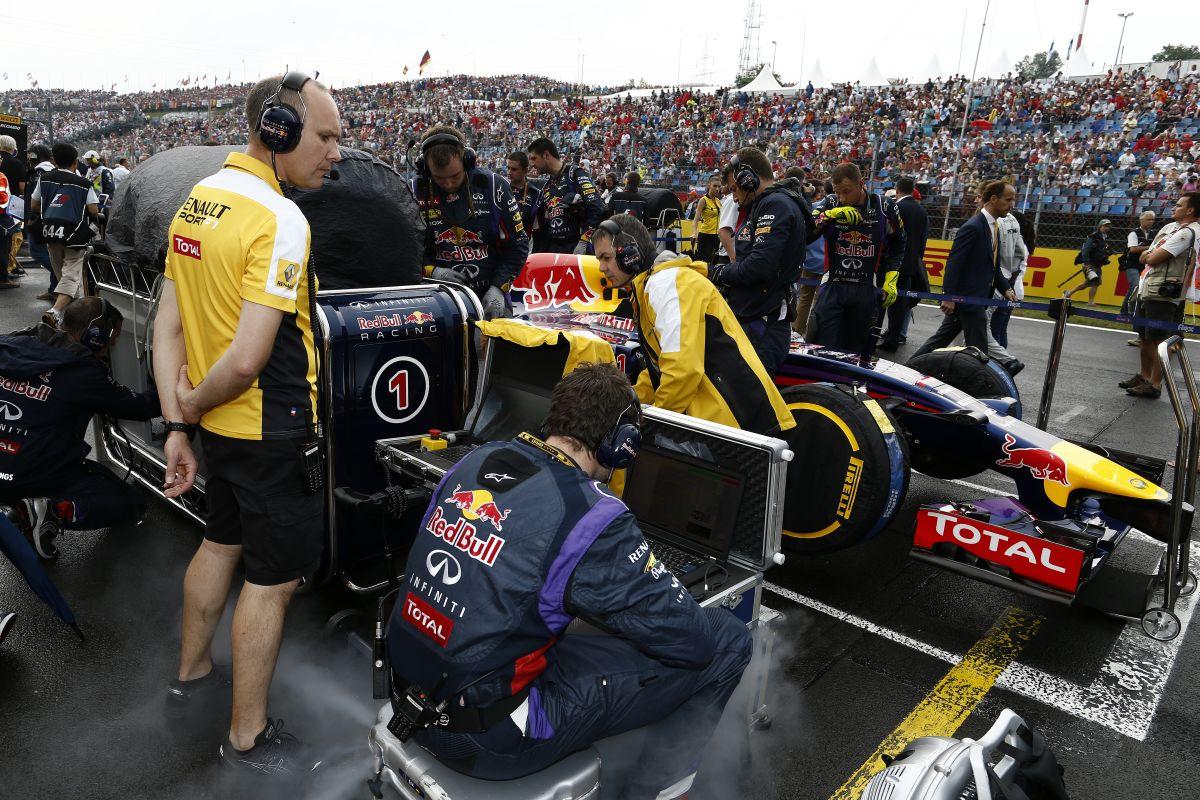 Remekül sikerült Vettel Magyar Nagydíja - jó lenne kémkedni egyet a Mercedesnél