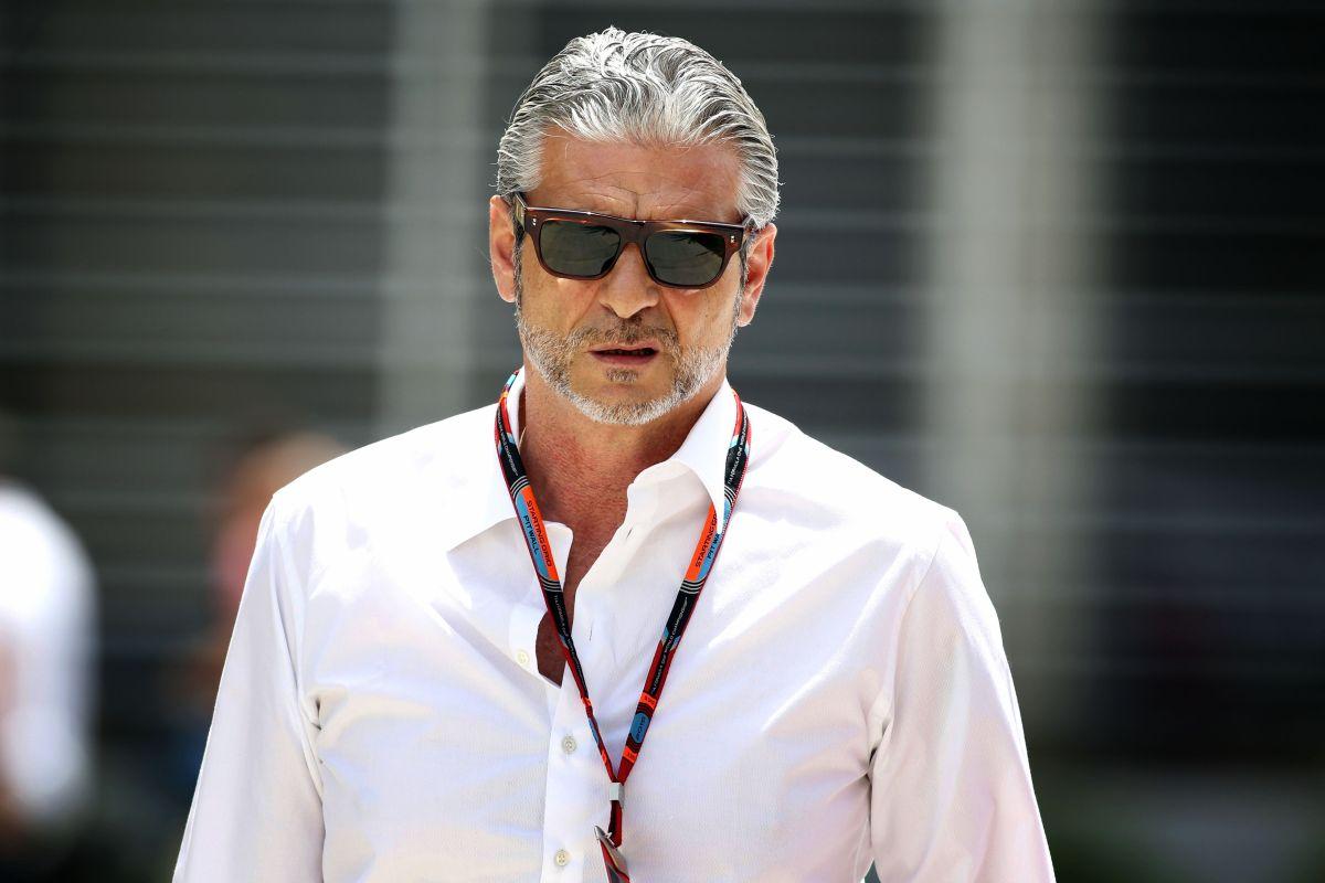 Arrivabene lecsapott Minttura és tolta a puszit: óriási figura a Ferrari csapatfőnöke!