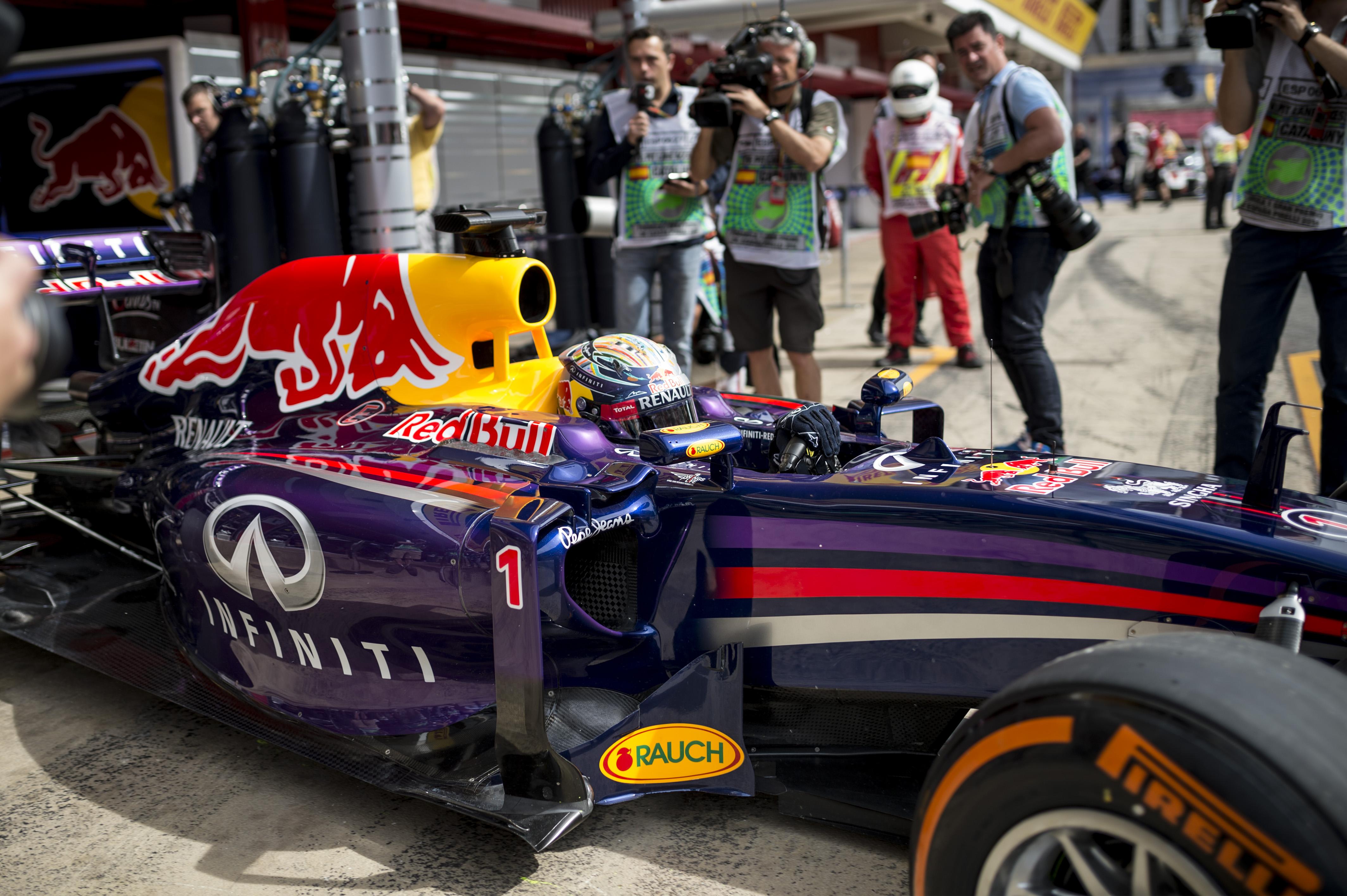 Megoldódott a Vettel-rejtély: hibás volt az kasztni, amivel az első négy futamot teljesítette