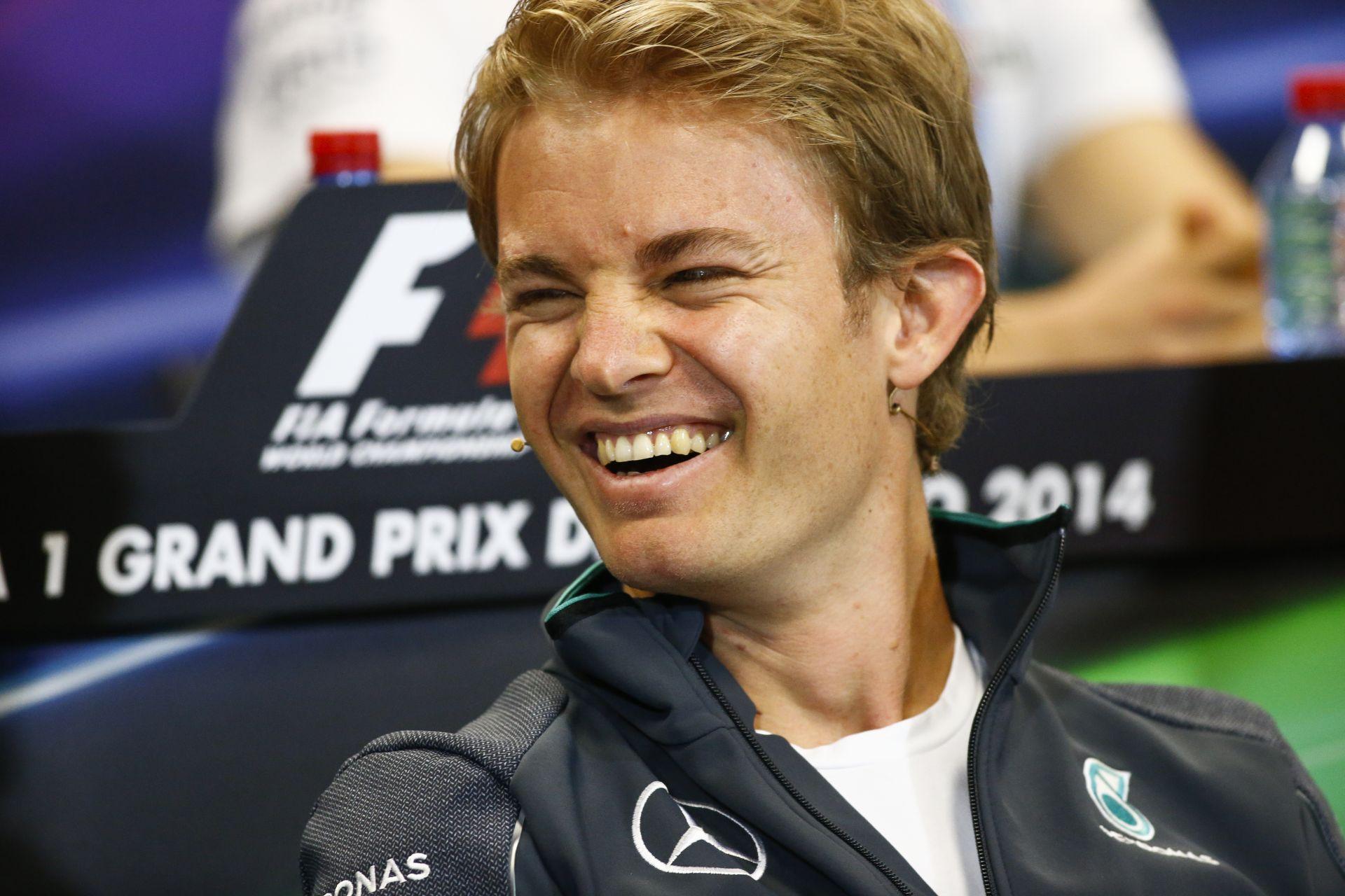 Rosberg nagyon sajnálja, Hamilton rendkívül dühös: Piszkos húzás a rajtelsőségért?
