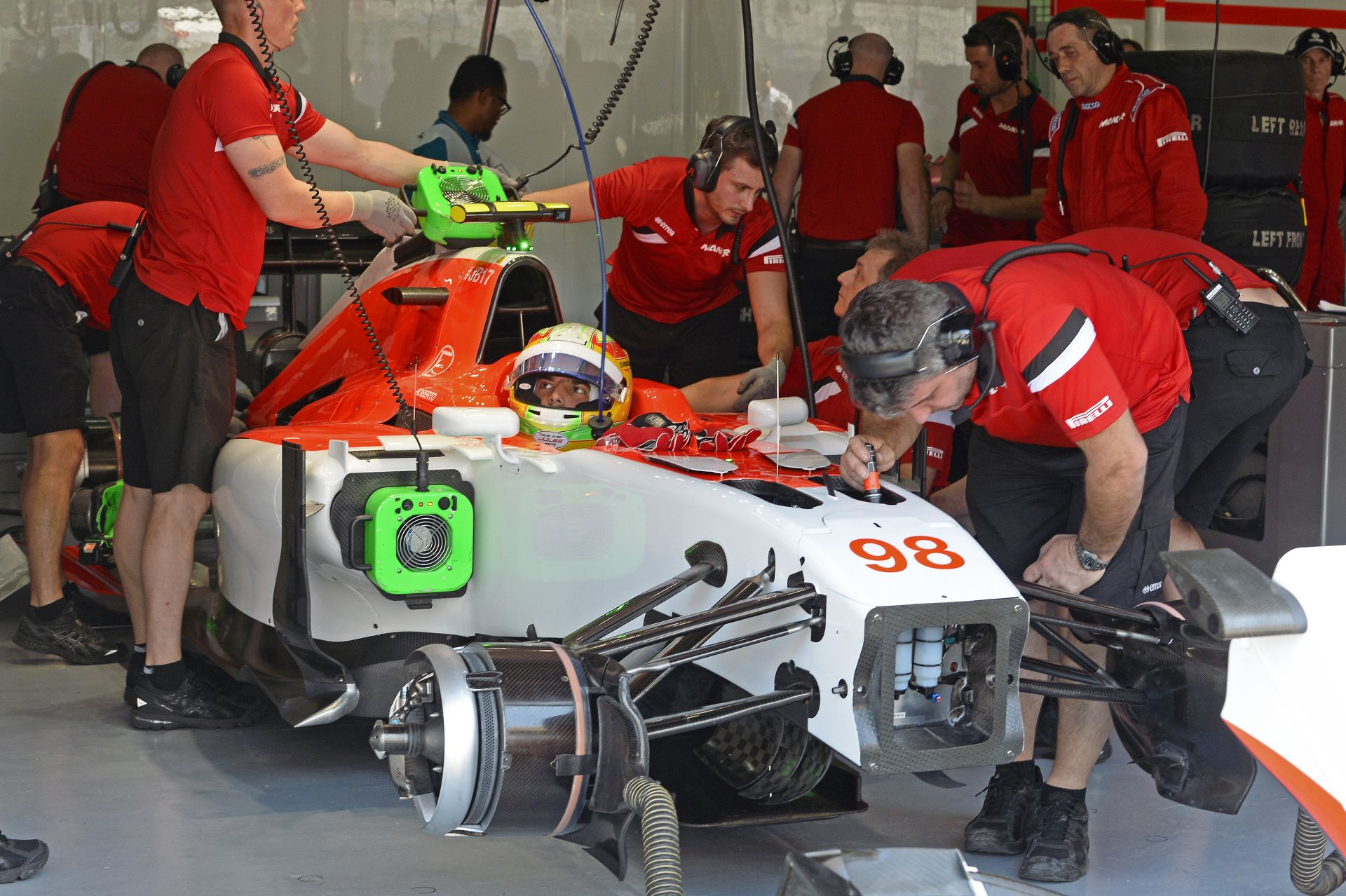 A Manor F1 Team csak egy autóval áll rajthoz?