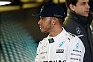 Wolff egy kezdővel áll szemben, amikor Hamiltonnal tárgyal Jerezben