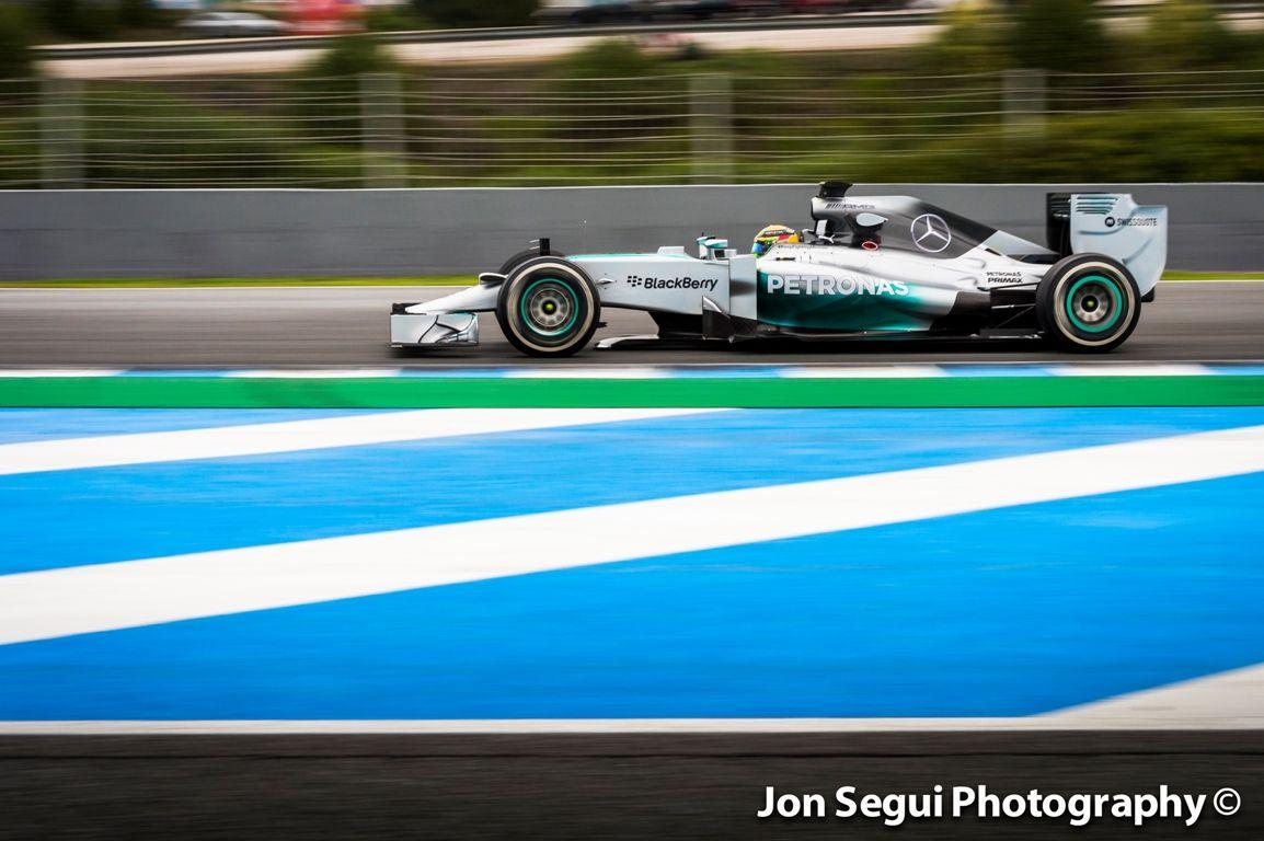 A Mercedes a Red Bull ellentéte: megbízható gép, sok kört teljesítettek