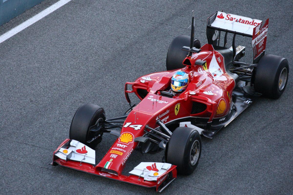Képek a harmadik napról: behalt a Red Bull és a Renault, a Mercedes dübörög