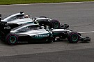 Rosberg ziet Hamilton naderen: