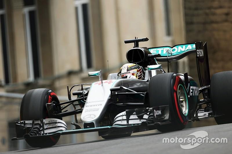 """Hamilton disfruta de conducir """"con el corazón en la boca"""" en Bakú"""