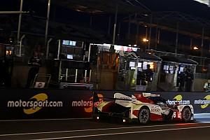 Le Mans Crónica de Carrera A media carrera pelea abierta entre Porsche y Toyota