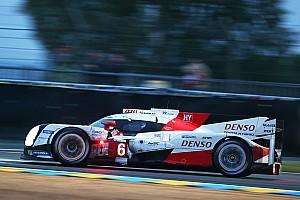 Le Mans Crónica de Carrera Toyota aprieta el paso contra Porsche después de 16 horas en Le Mans