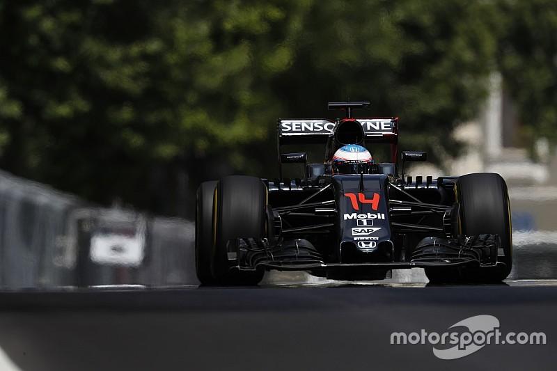 McLaren elogia a Alonso: