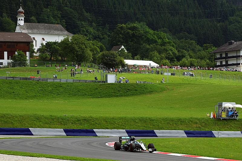 Rosberg continúa su racha en una sesión protagonizada por la lluvia