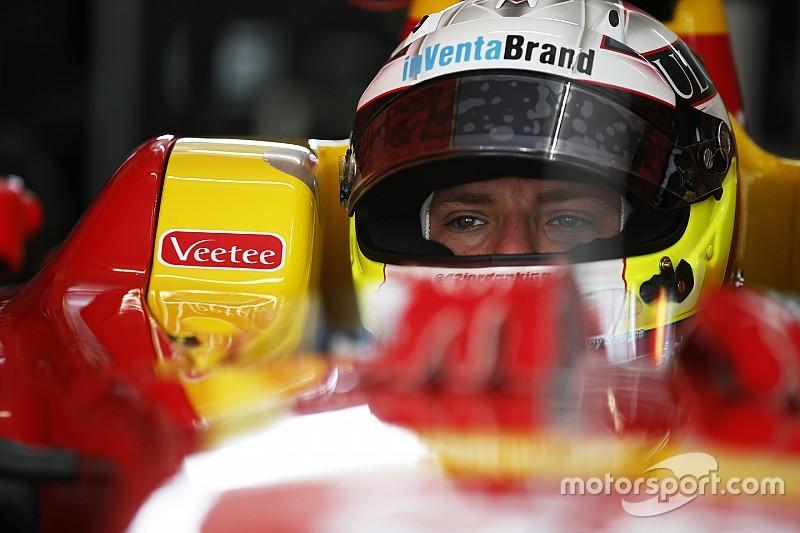 GP2: King domineert natte sprintrace, volledig Brits podium