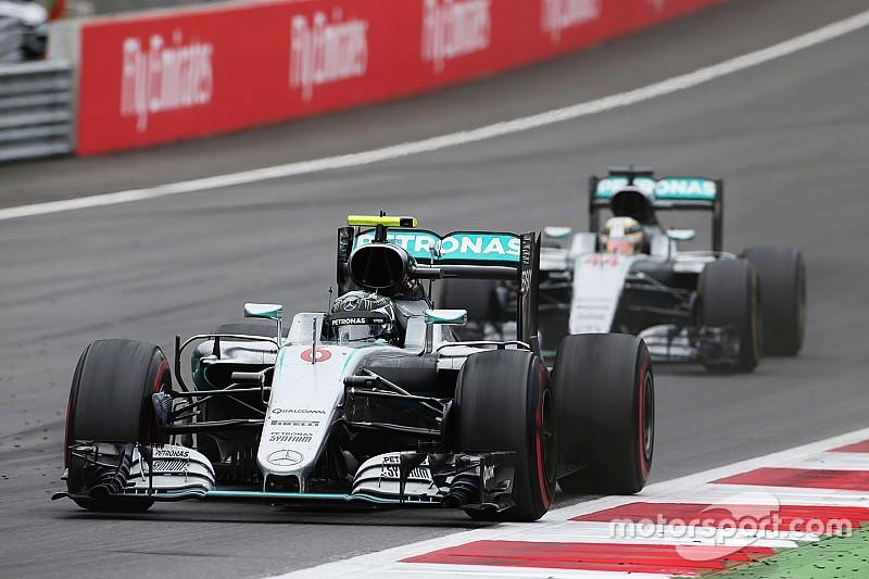 """Nico Rosberg ontdaan: """"Lewis veroorzaakte de aanrijding"""""""