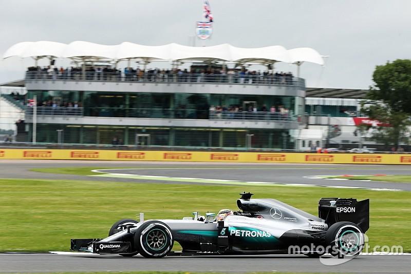 Formel 1 in Silverstone: Lewis Hamilton auch im zweiten Training vorne – Rosberg nur Zuschauer