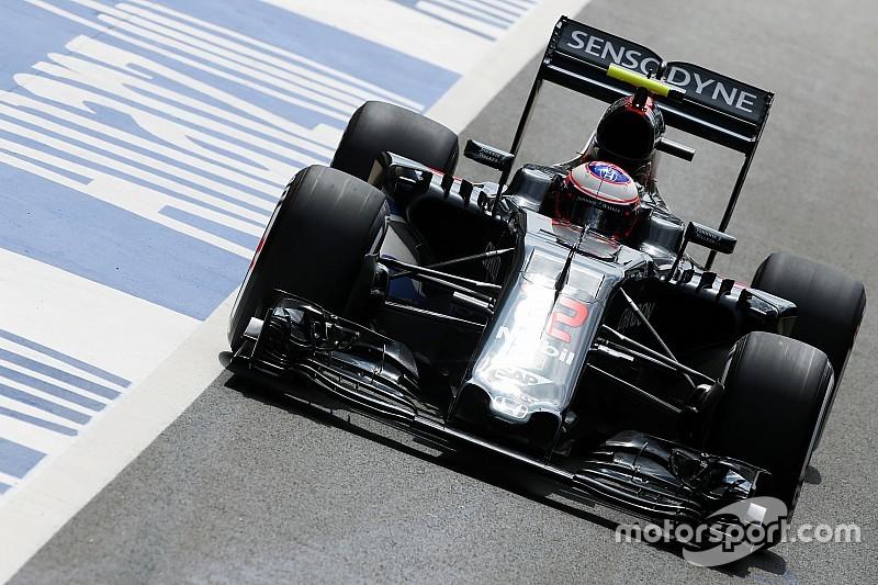 McLaren устранила неисправность антикрыла на машине Баттона