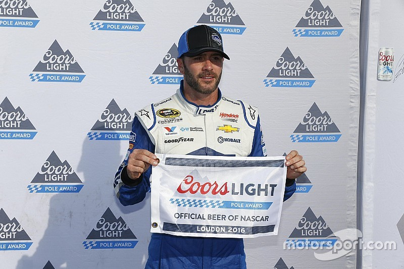 Jimmie Johnson conquista la prima pole stagionale