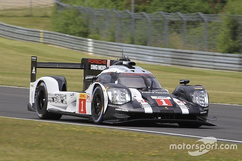 Porsche volvió a liderar en los segundos libres