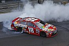 Kyle Busch vince la Brickyard 400 nel dominio Joe Gibbs Racing