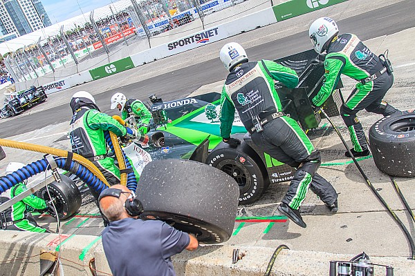 Immersion - Effectuer des vrais pit stops en IndyCar!