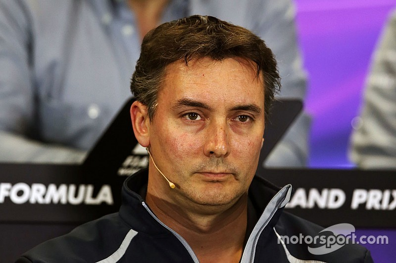 Глава Toro Rosso уверен, что Ки не уйдет к соперникам