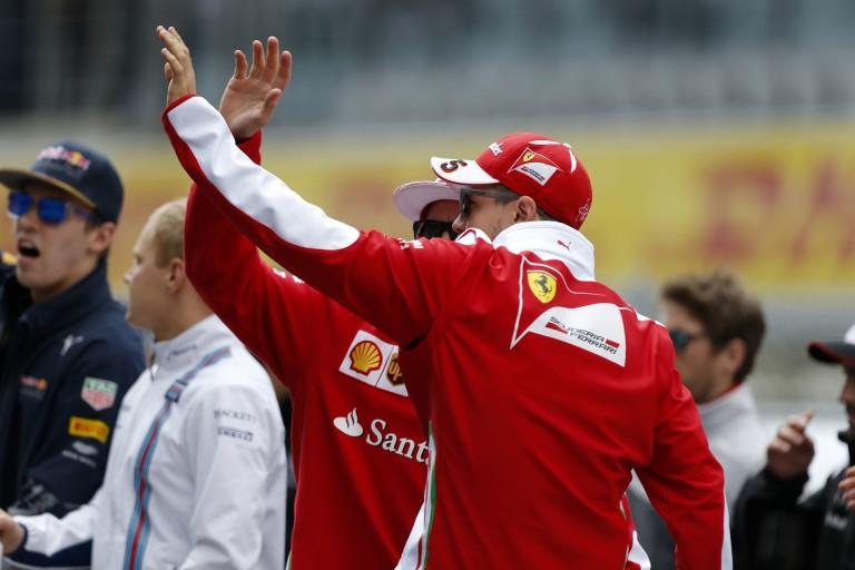 Vettel azonnal elhagyta a pályát a futam leintésekor!