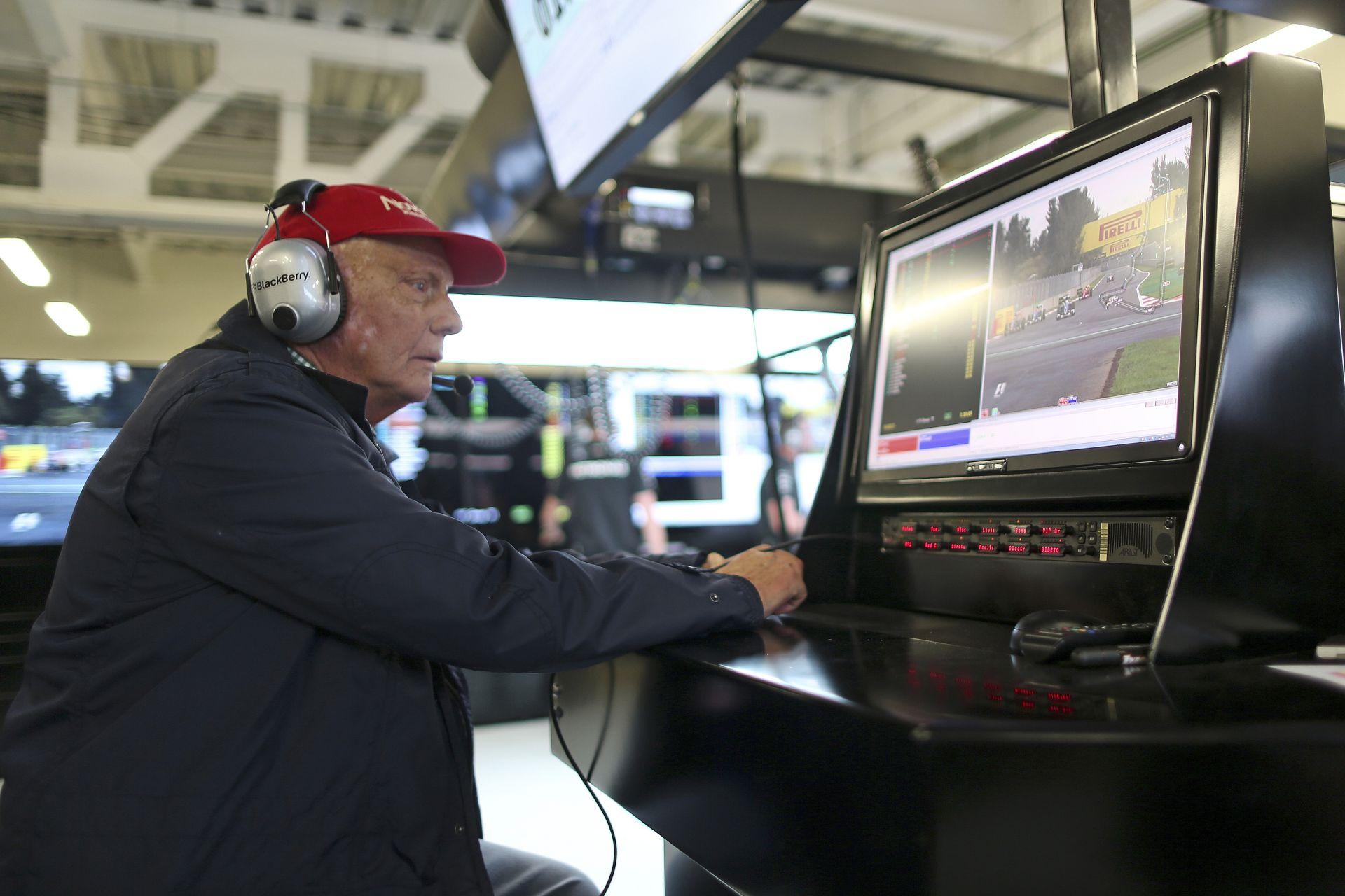 Hat világbajnoki cím a képen: Lauda és Lorenzo