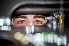 Alonso szemében tökéletesen tükröződnek a tizedmásodpercek!
