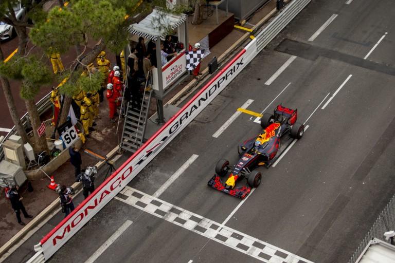Az egyik legművészibb monacói esős kép a Red Bullról!