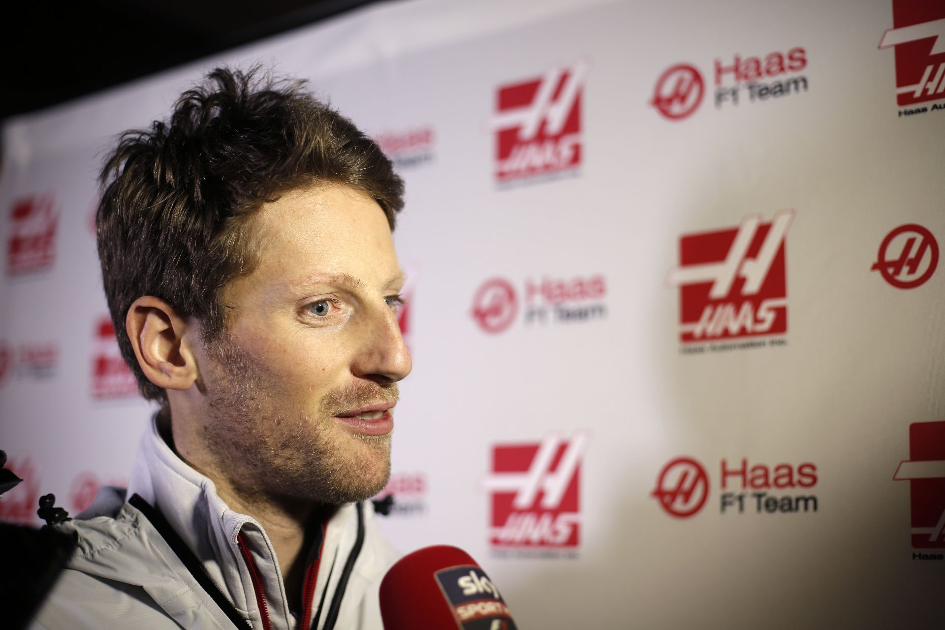 Grosjean még az F1-es játékban is Ferrarival megy
