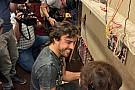 Alonso másodállást vállalt Bakuban: szőnyegszövés a profilja