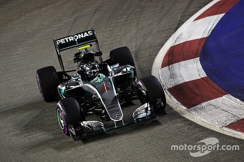 Rosberg, adelante en el último entrenamiento de Singapur