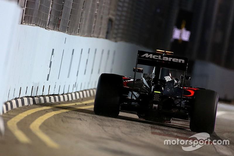"""Button, """"mucho más feliz"""" con el McLaren pese al incidente"""