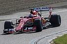 Vettel busca ventaja con los test de Pirelli 2017