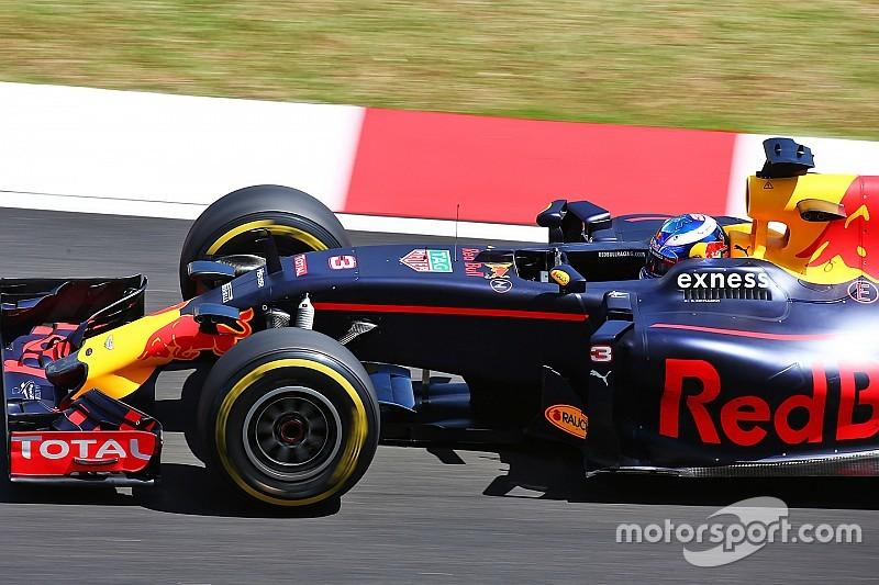 """Ricciardo: """"Non abbiamo migliorato abbastanza con le soft"""""""